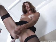 Hot mature office lady gets a quick pussy fix at work