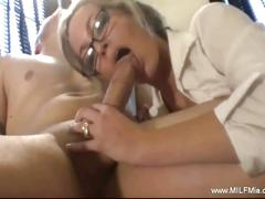 Horny milf secretary giving plesure to her boss.