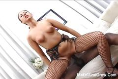 Hot europena babe fucked deep in her pussy2