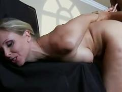 Milf painter loves hung cocks