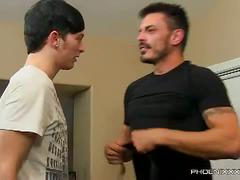 Muscled daddy collin fucks twinky ryker