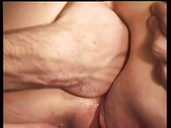 Elle aime le fist anal
