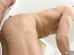 Sleazy amateur muscled hunk opens craphole for hardcore bareback