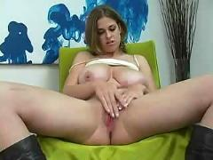 Natural gril masturbation