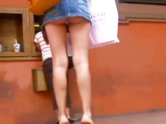 Incredibly short mini jeans skirt candid upskirt