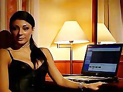 Sofia gucci lesbian scene