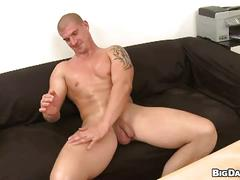 Muscle guy comes in for raw casting first time big cock sucking