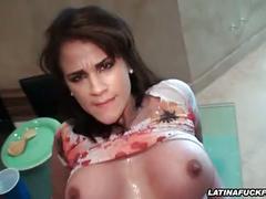 Restaurant sex with a cum hungry latina