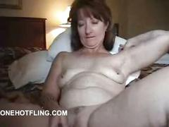 Mature woman cumming on webcam