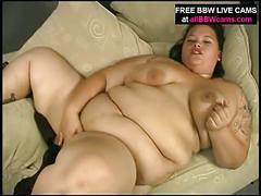 Plomper girls mastebates in her bbw house
