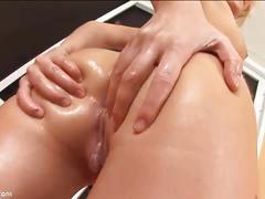 Julia's super hot butt showed closeup