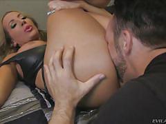 Richelle sucks her man @ mean cuckold #06