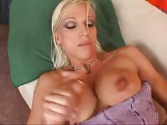 2 blonde chicks share a big cock