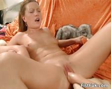Sexy lesbian babe gets her tight pussy