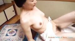 Mature woman getting her hairy pussy licked fingered...
