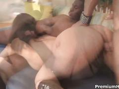 Annie cruz giving double blowjob and dp.