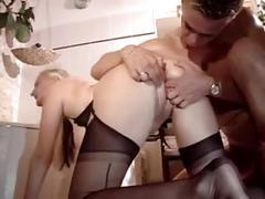 Blondie mit dicken titten