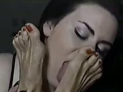 A sweet girl worship older woman feet
