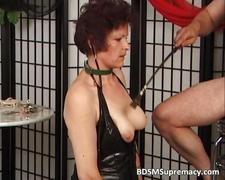 Old mature slut likes punishing during
