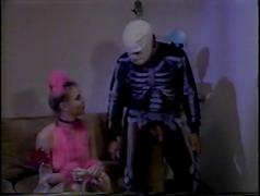 Trick or treat (1985)