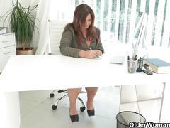 Well rounded milfs riona and ria take a masturbation break