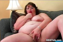 Fat slut have fun with her big dildo