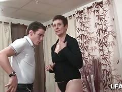 Sucette par une femme d experience