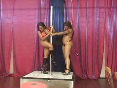 Lesbian ebony amateurs doing cunts with dildoes