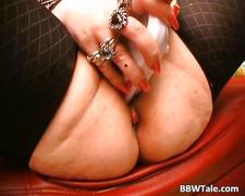 Crazy old slut feeling horny while solo