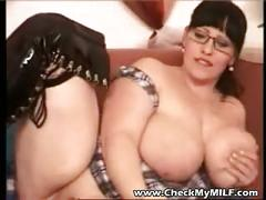Bbw amateur milf with shaved pussy playing with dildo