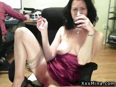 Big tits brunette milf solo pussy playing on cam