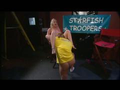 Missy monroe takes big cock at gentlemen's club