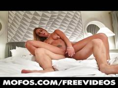 Stunning blonde amateur is fucked