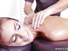 Babe sucks after relaxing massage