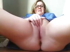 Blonde bbw rubs out a squirting orgasm