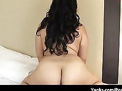 Thick mexican girl finger fucking herself