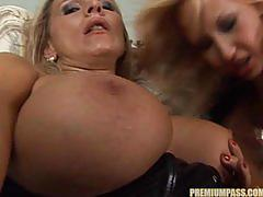Zensa raggi shoots a load down tissy's throat