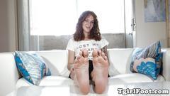 Foot loving tranny babe teasing sensually