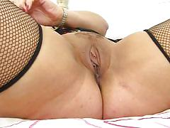 Curvaceous lady danielle fucking herself with a big toy