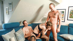Reife swinger - naughty hardcore mmf threesome with mature german lady