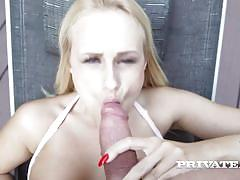 Curvy busty enjoys deep anal