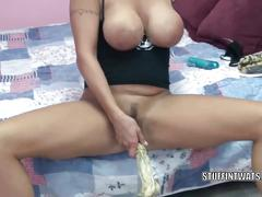 Kinky wife leeanna heart uses corn to fuck her hot pussy