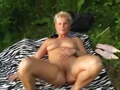 Mature geman woman 2 cumshots