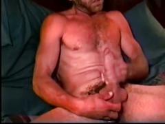 Lee jerking his hairy cock on workin men xxx