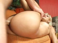 Anal sex for a blonde beauty