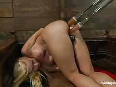 Double penetration and self fisting for a solo hot babe
