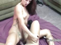Autumn and angel share dildo