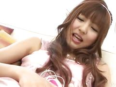 Hairy japanese bimbo jizzed