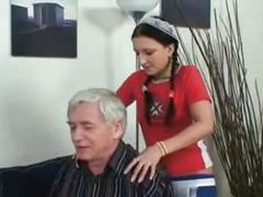 Teen maid do an old man - video.smutty4all.com