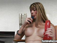 Pretty tranny and her juicy cock